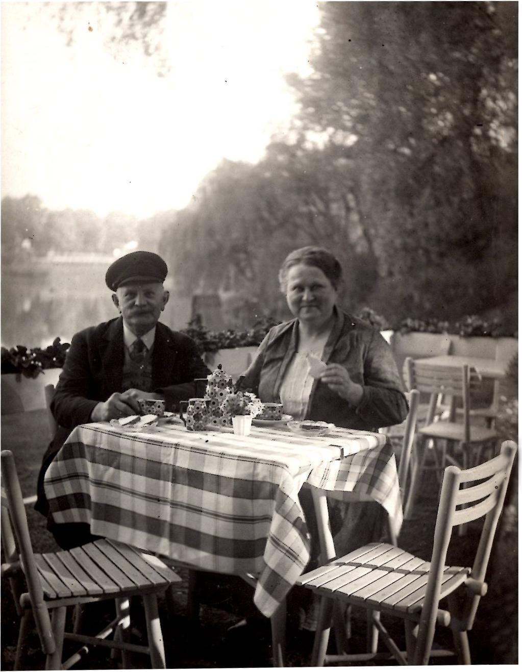 Weissensee - 1930 Die Pächter und das Cafe